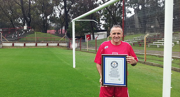 Jugador en activo mas veterano del mundo Guinness World Records 2