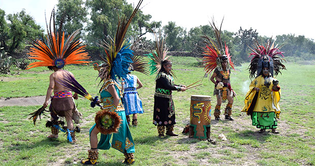 Largest ancient ceremonial Mexican dance participants