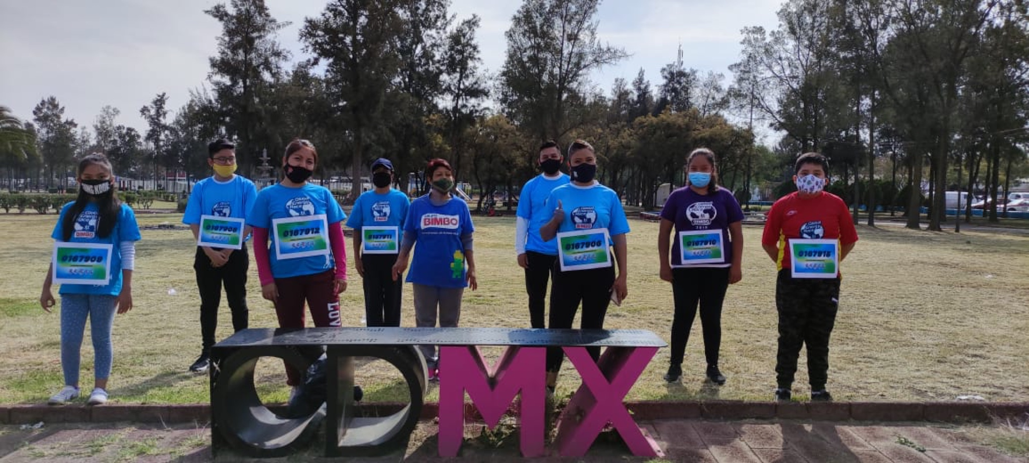 Group-of-people-running-CDMX-Largest-Donation-of-goods