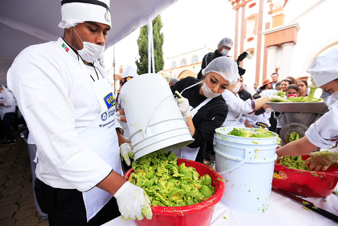 Largest serving of guacamole 6